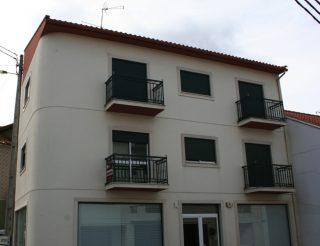 Edifício de Comércio e habitação Sita em Boavista, Leiria
